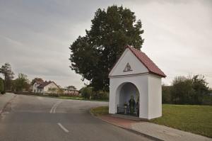 Kapliczka przydrożna z I poł XIX w.